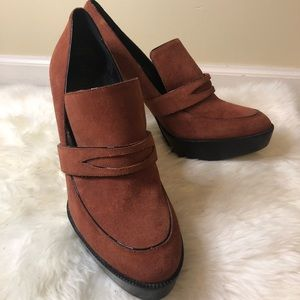 Burberry burnt orange platform loafer heels